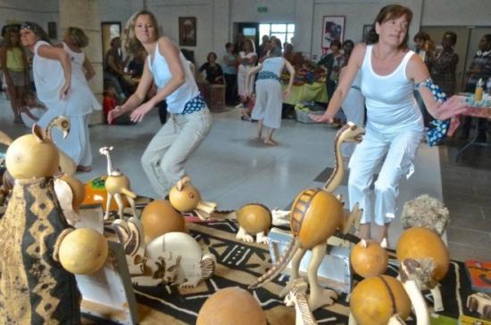 les-danses-africaines-de-lez-arts-eclectiques_1403474_660x43